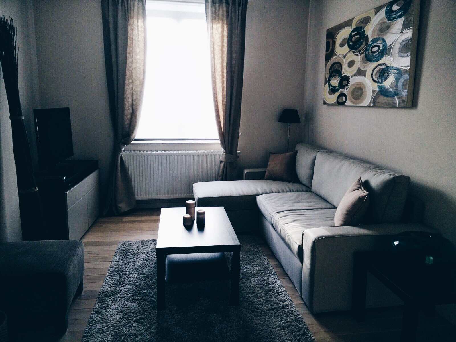 Nouvelle Vie, Nouvelle Ville [Update + Apartment Tour]
